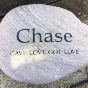 pet-memorial-stone-chase