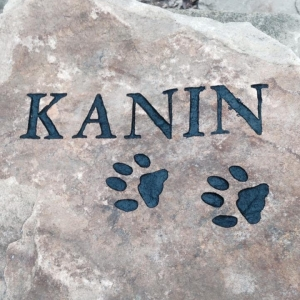 pet-memorial-stone-kanin